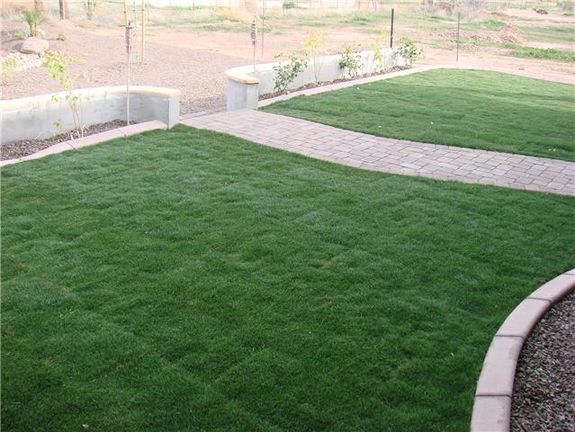 Az landscape concrete flagstone block wall for Landscaping rocks yuma az