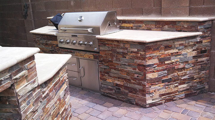 Built-in BBQ Cultured Stone travertine Top