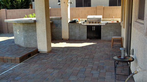 Patio-BBQ-built-in-az-living-landscape-480-390-4477