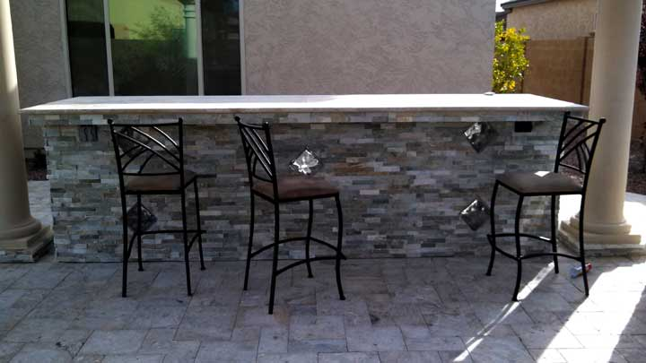 Patio-bar-cultured-stone-tr