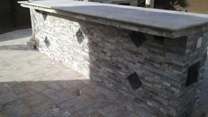 built-in-bar-cultured-stone