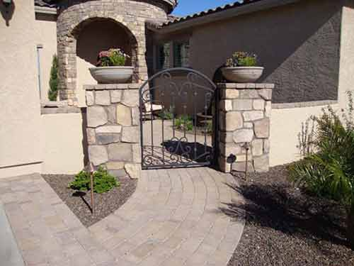 courtyard_paver_patio_gate