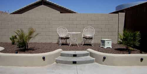 planter-wall