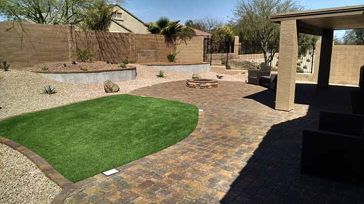 Synthetic grass archives arizona living landscape design for Small backyard garden design
