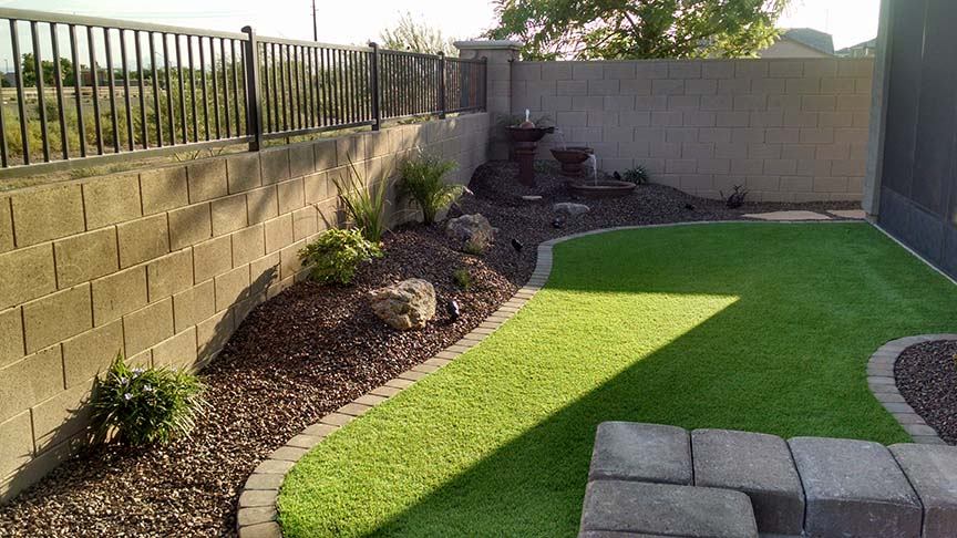 Small backyard landscaping az living landscape design for Small garden design ideas with lawn