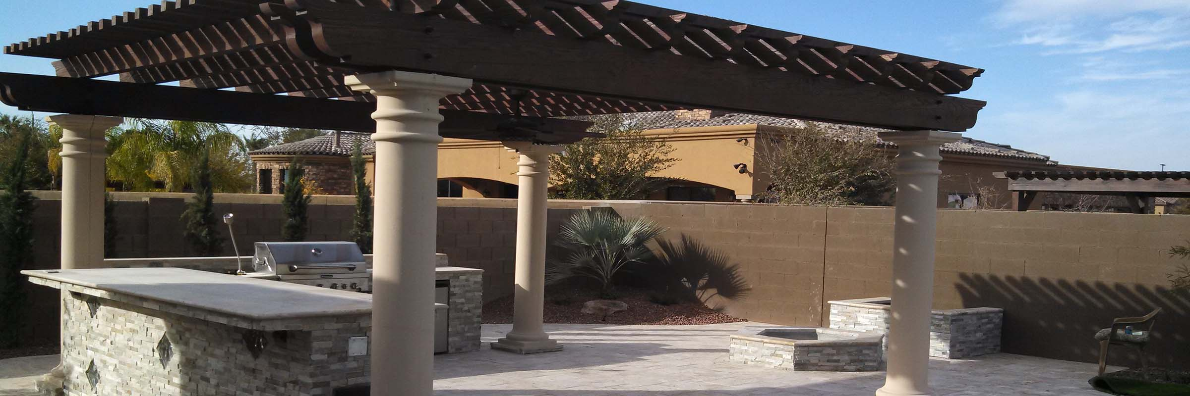 travertine-patio-pergola